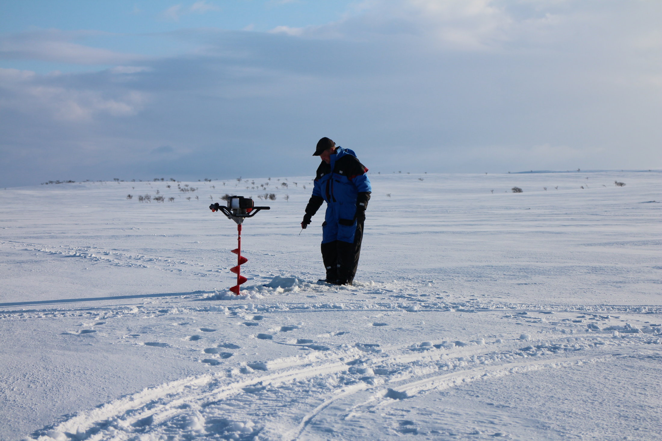 Snowshoe trip for ice fishing lapland welcome in for Ice fishing 2017