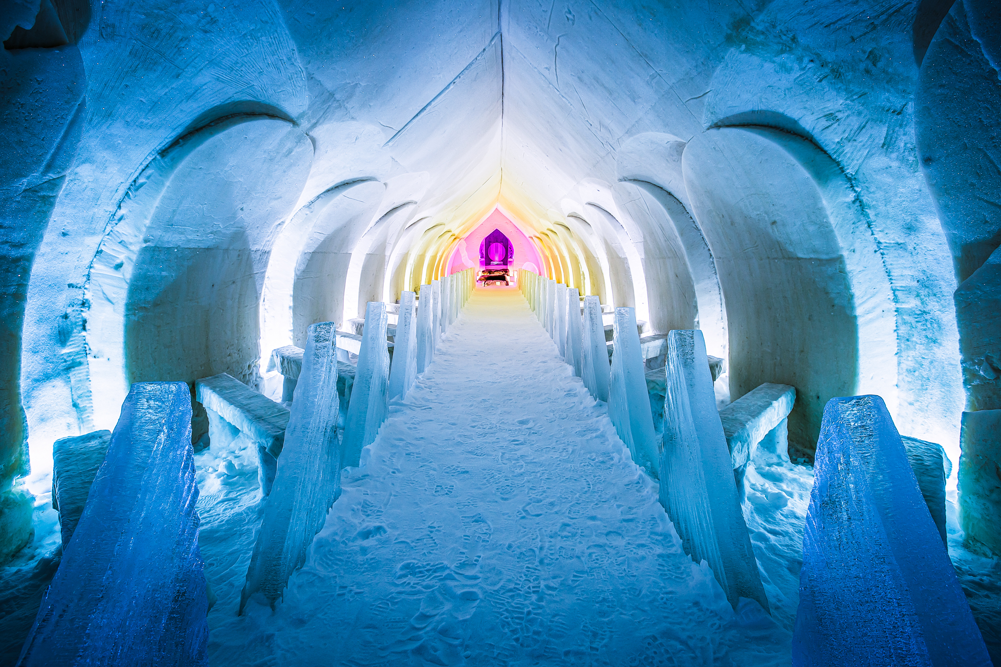 build walk out of snow with harmonious lights